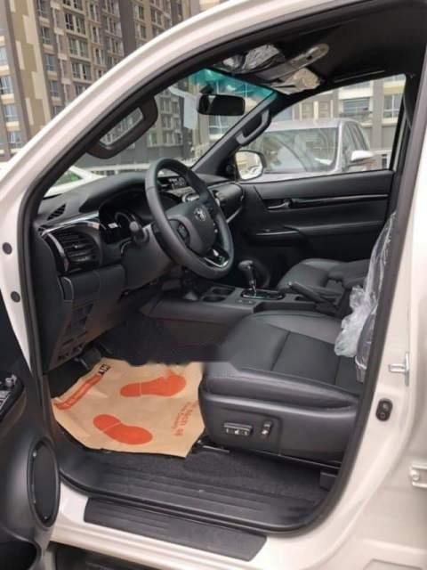 Bán xe Toyota Hilux 2.8L 2019, màu trắng, nhập khẩu nguyên chiếc-3