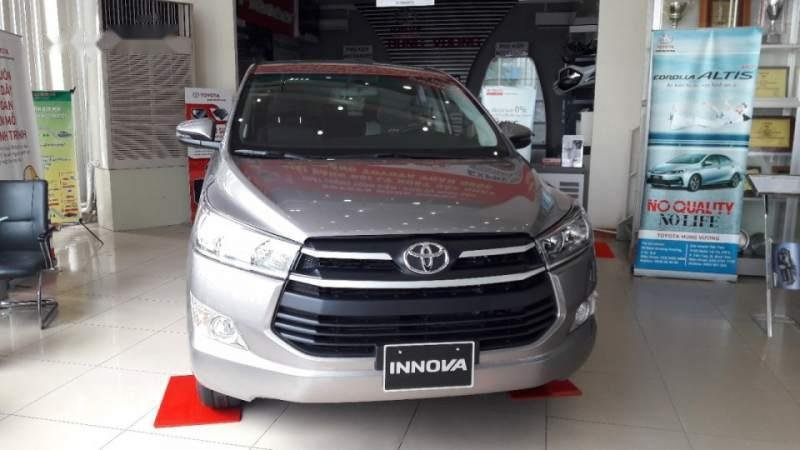 Bán ô tô Toyota Innova năm 2019, màu xám, số sàn (1)