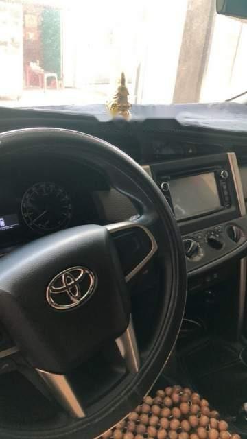 Bán ô tô Toyota Innova sản xuất 2016, màu xám còn mới (3)