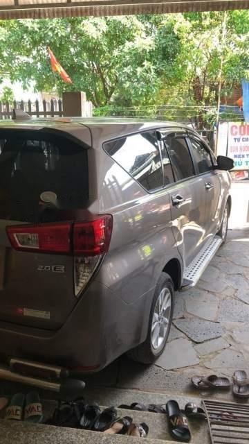 Bán ô tô Toyota Innova sản xuất 2016, màu xám còn mới (2)