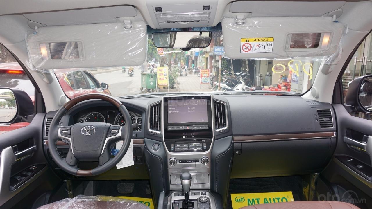 Bán ô tô Toyota Land Cruiser VX R 4.6 AT đời 2017, màu đen, xe nhập Trung Đông mới 100%, LH em Hương-22
