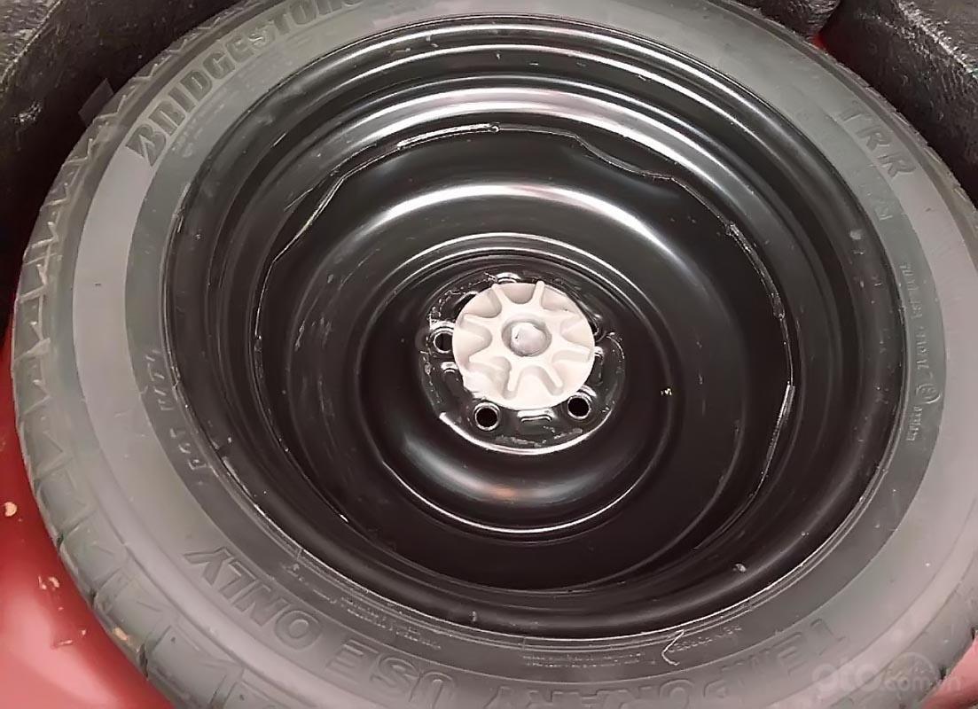 Cần bán Mazda 6 2.0 AT 2015, màu đỏ, chính chủ-3