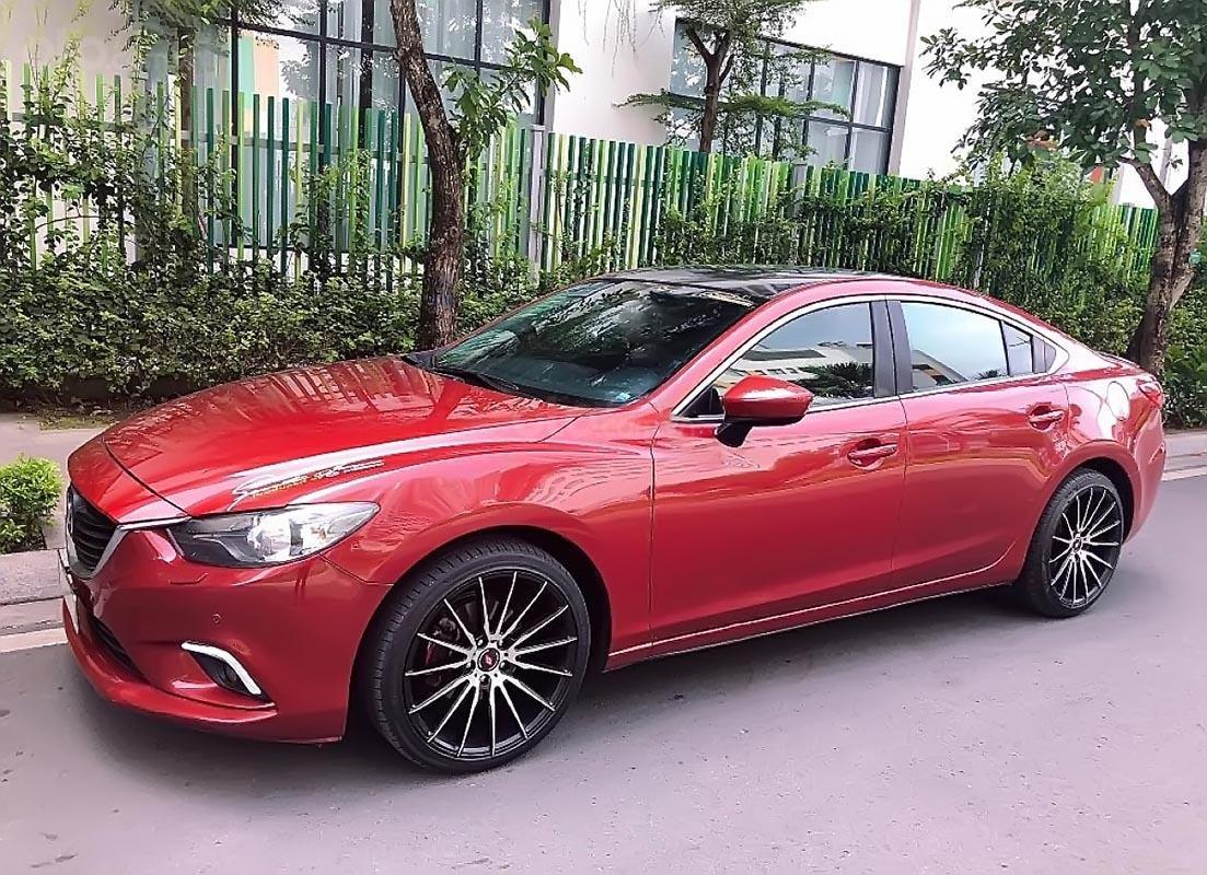 Cần bán Mazda 6 2.0 AT 2015, màu đỏ, chính chủ-0