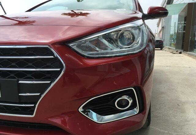 Đánh giá xe Hyundai Accent 2018: Đèn sương mù.