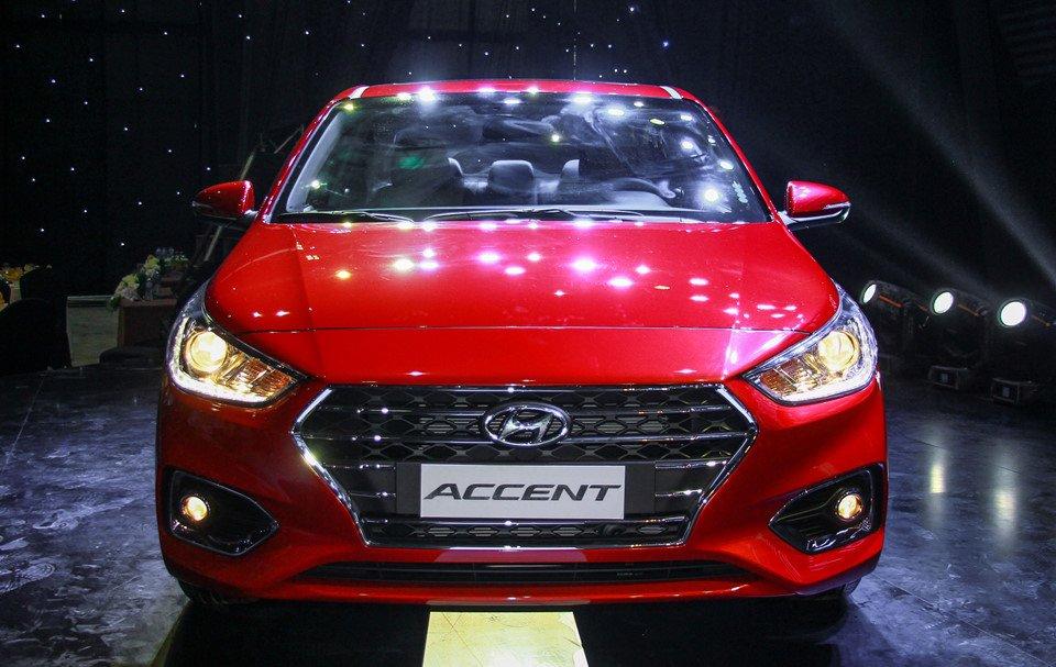 Đánh giá xe Hyundai Accent 2018: Đầu xe.