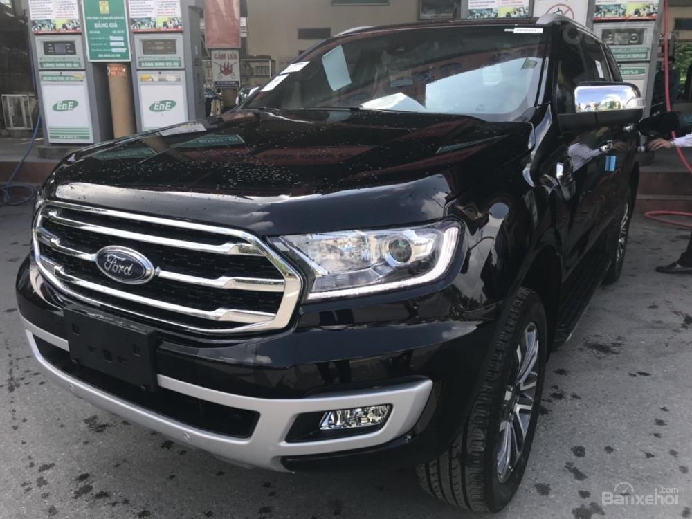 Ford Everest 2.0 nhập nguyên chiếc, đủ các bản giao xe ngay tháng 1 năm 2019, giá chỉ từ 999tr. LH 0974286009-2