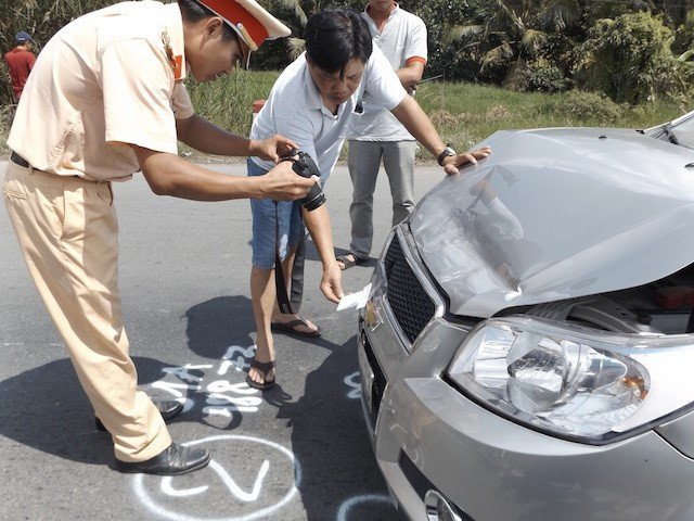 Tai nạn xe ô tô, bảo hiểm chi trả như thế nào khách hàng?2aaaa