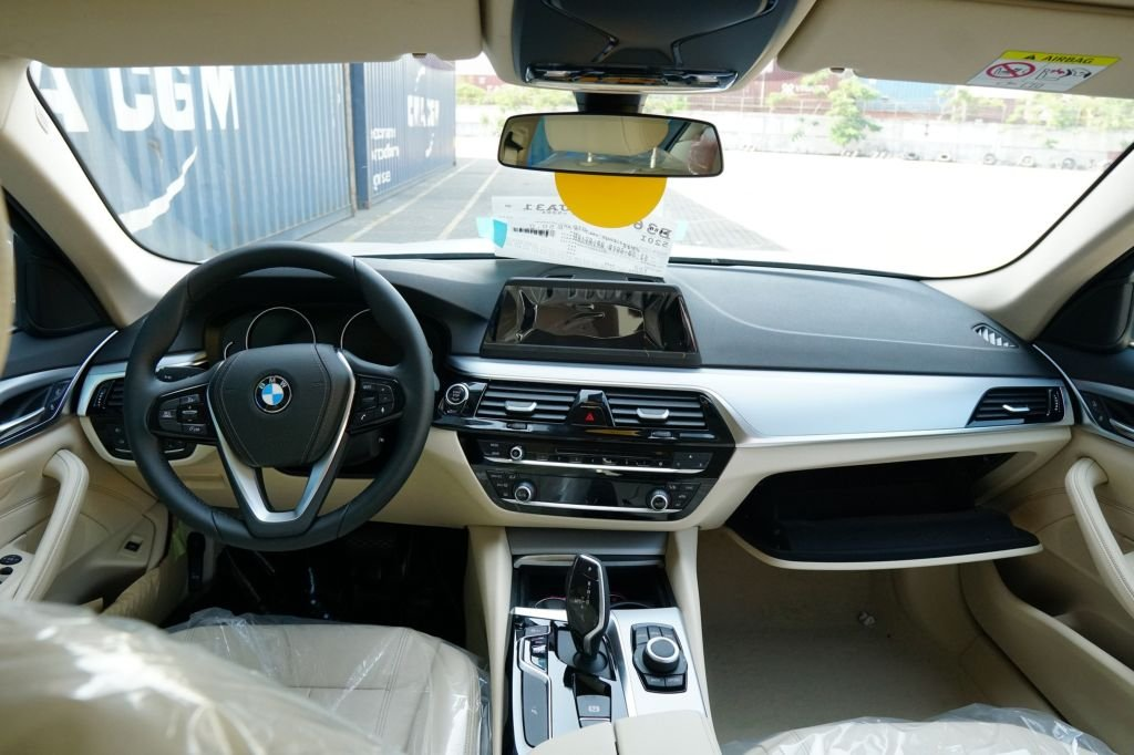BMW 5-Series 2019 chính thức ra mắt tại Việt Nam, giá từ 2,389 tỷ đồng a3