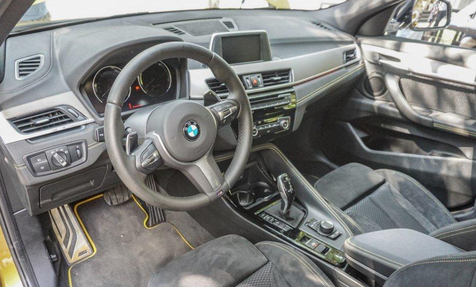 Nội thất xe BMW X2 2020.