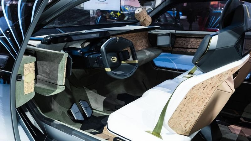 Entranze concept: Xe Trung Quốc lai phong cách xe Mỹ a14