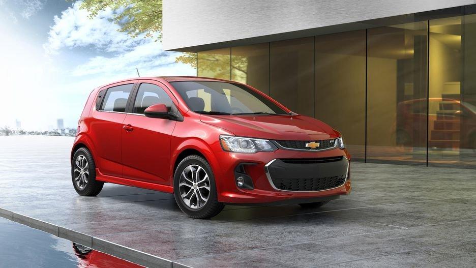 Mẫu xe ô tô nào có giá bán rẻ nhất thị trường hiện nay? Chevrolet Sonic 2019.