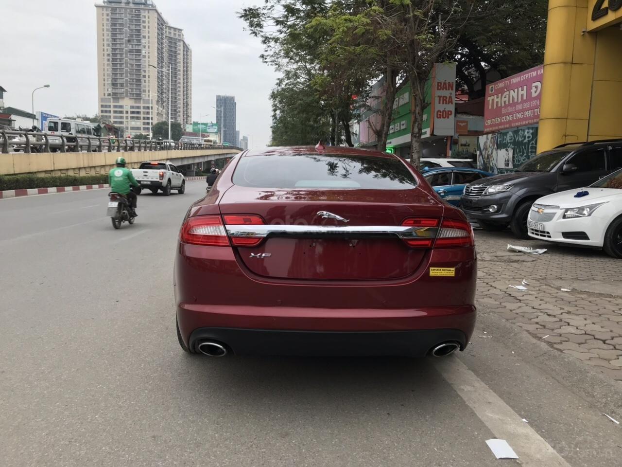 Cần bán Jaguar XF màu đỏ model 2014, xe nhập, giá tốt-1