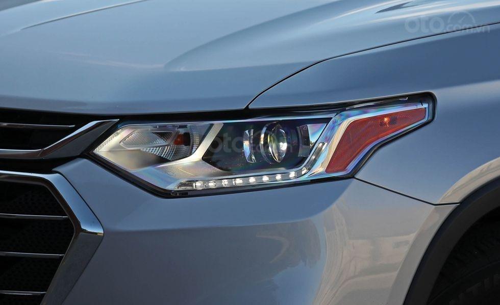 Đèn pha xe Chevrolet Traverse 2019