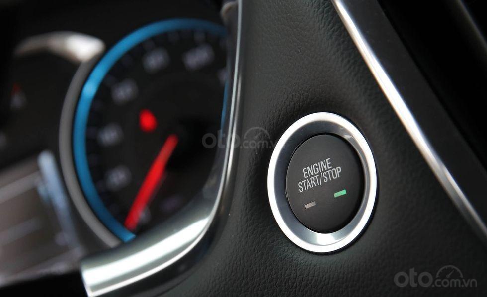Đánh giá xe Chevrolet Traverse 2019 nút đề khởi động