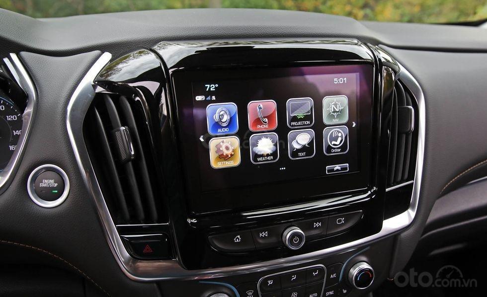 Đánh giá xe Chevrolet Traverse 2019 màn hình thông tin-giải trí