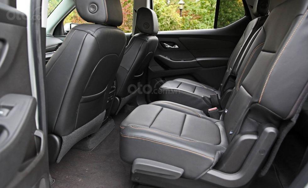 Hàng ghế thứ 2 của xe Chevrolet Traverse 2019