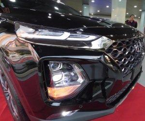 Hyundai Santa Fe 2.2L dầu đặc biệt 2019 và Toyota Fortuner 2.8V 4x4 2018 về phần đầu 4