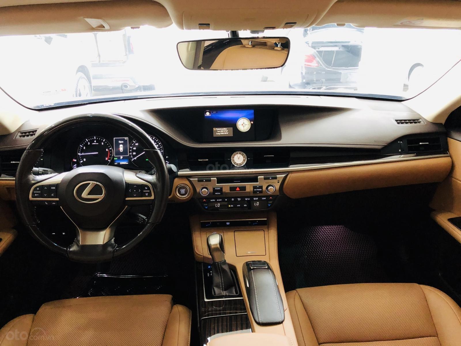 Bán Lexus ES 250 sản xuất 2016, đăng ký 2017, xe đi lướt 24.000km, bao kiểm tra hãng, tiết kiệm so với xe mới 700 triệu-3