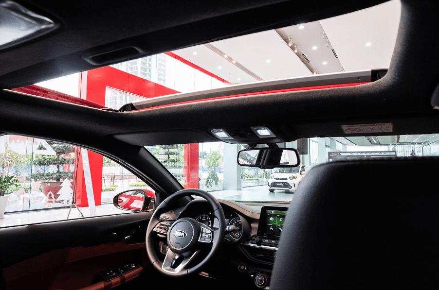 Kia Cerato 2019 bản 1.6 AT và 2.0 AT về trang bị cửa sổ trời