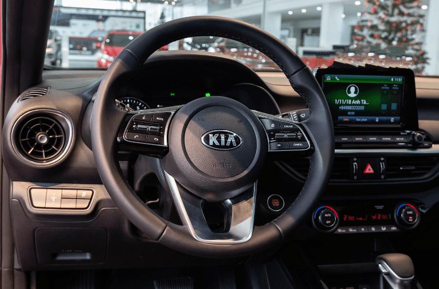 Kia Cerato 2019 bản 1.6 AT và 2.0 AT về trang bị vô lăng