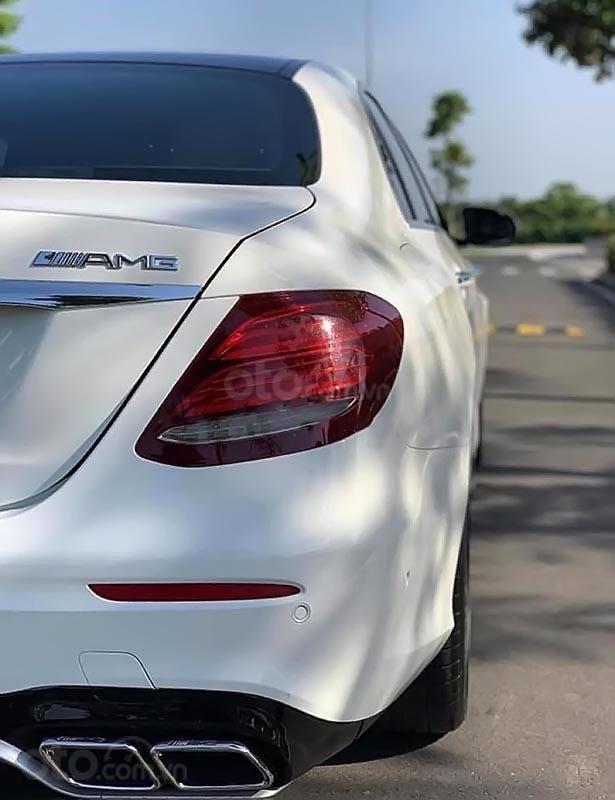 Cần bán lại xe Mercedes E300 AMG năm 2017, màu trắng, nhập khẩu-1