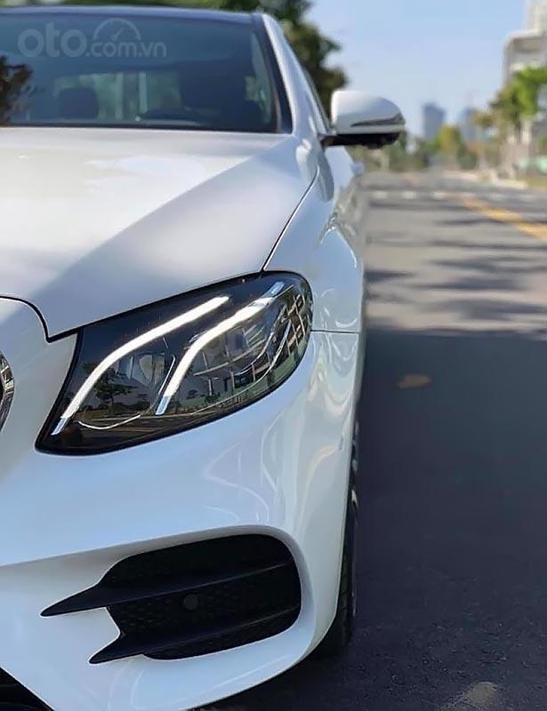 Cần bán lại xe Mercedes E300 AMG năm 2017, màu trắng, nhập khẩu-0