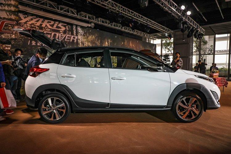 Toyota Yaris Crossover 2019 chính thức ra mắt với giá từ 480 triệu đồng a4