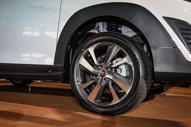 Toyota Yaris Crossover 2019 chính thức ra mắt với giá từ 480 triệu đồng a3