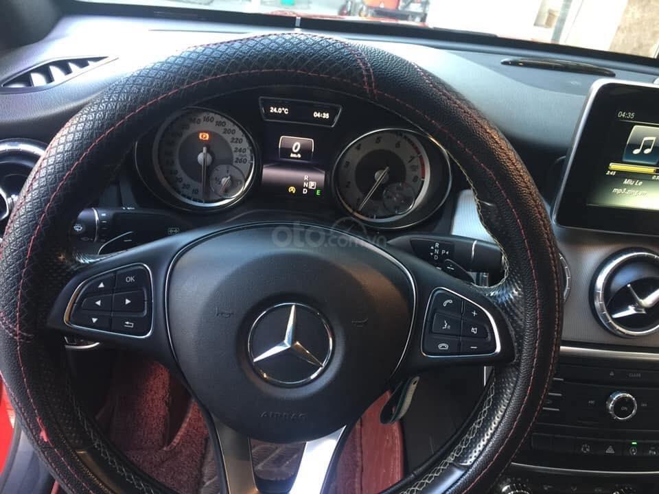 Bán nhanh Mercedes CLA200 năm 2015, màu đỏ, Đà Nẵng (4)