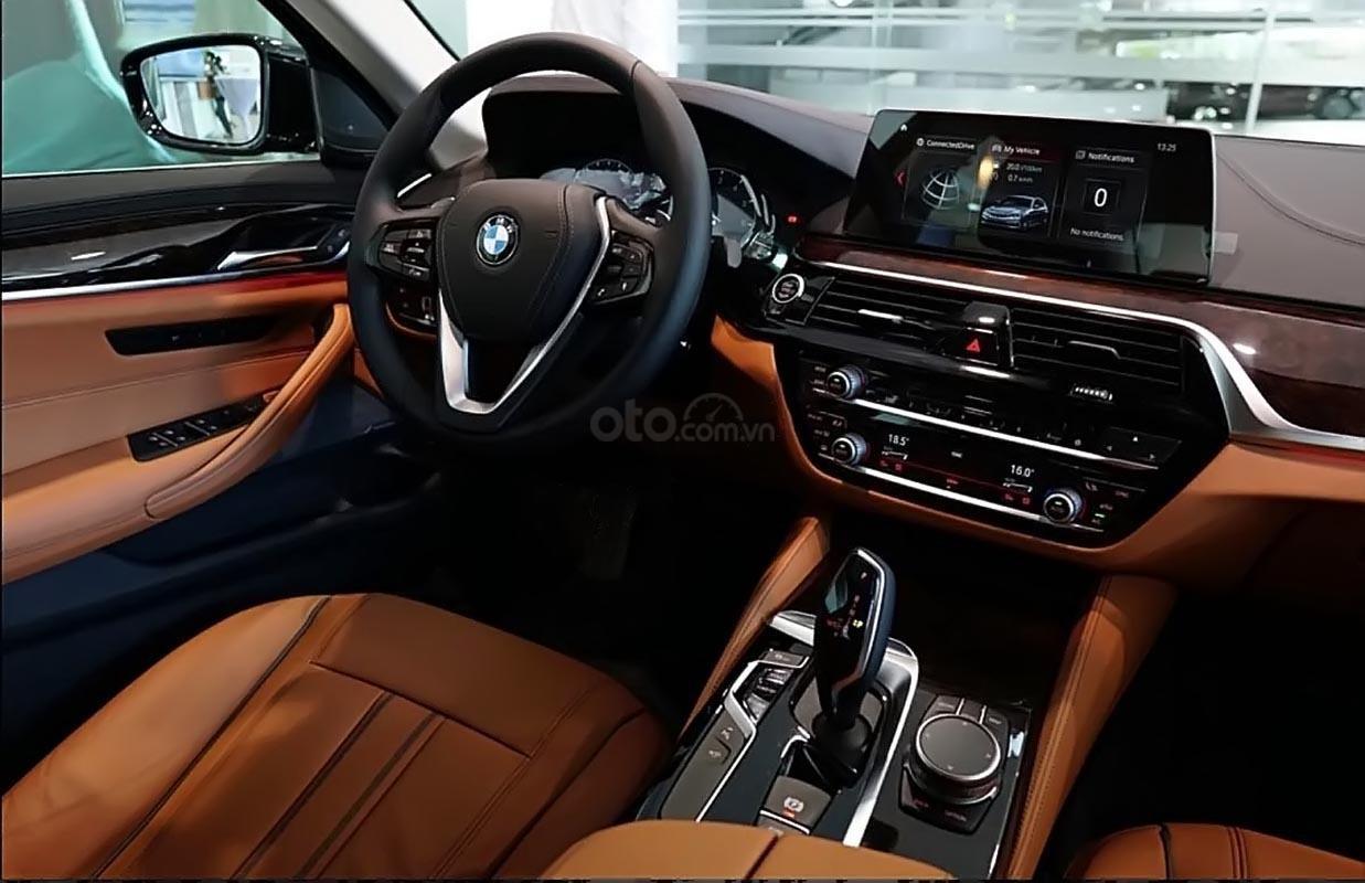 Bán xe BMW 5 Series 530i đời 2018, màu đen, xe nhập-1