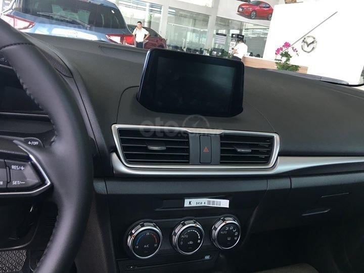 Bán Mazda 3 2019 - tặng gói khuyến mại bảo dưỡng đến 50.000km - trả góp 90%, LH 0973560137 (12)