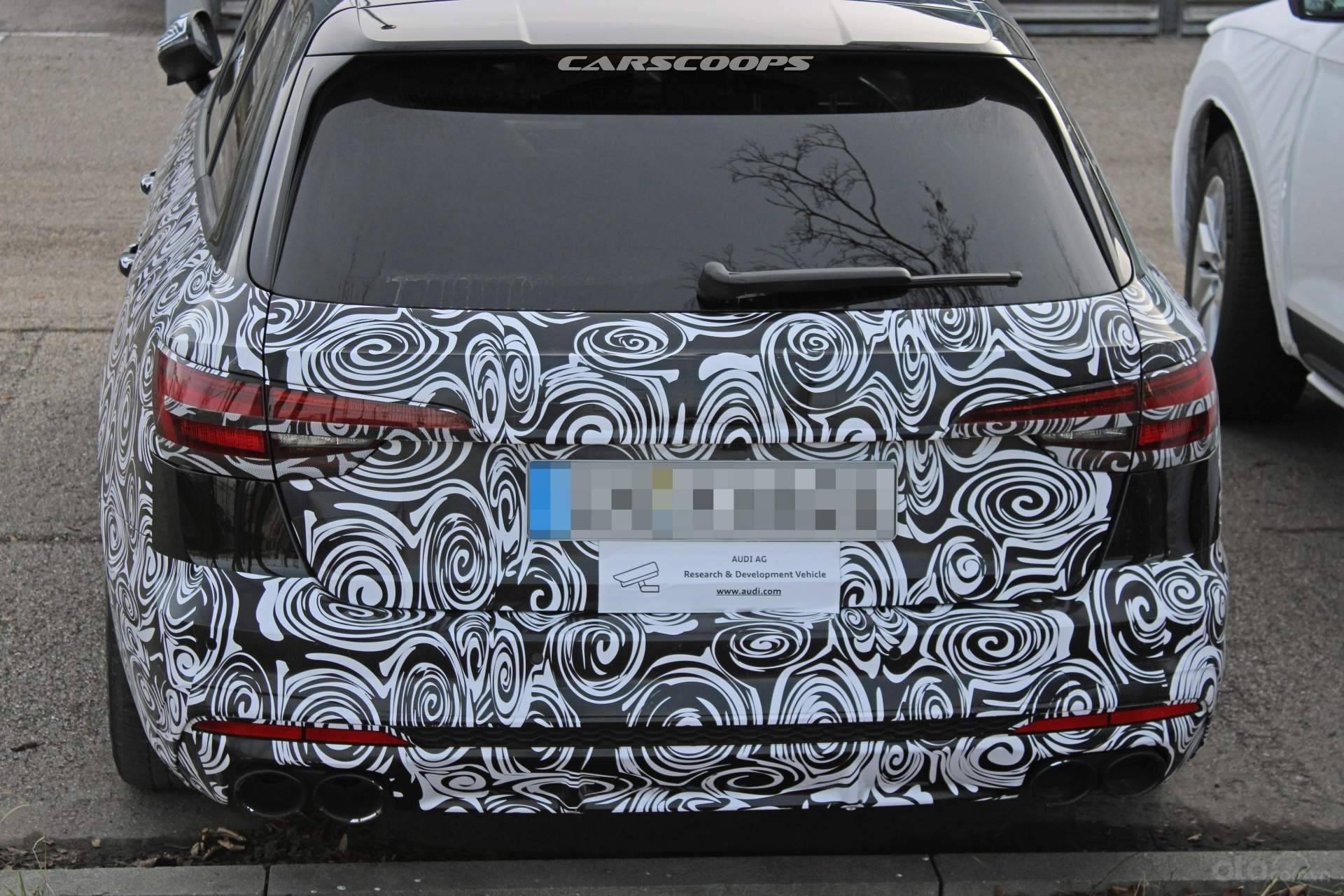 Chính diện đuôi xe Audi S4 Avant 2020