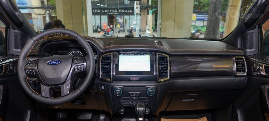 Bảng táp-lô của Ford Ranger 2019 là nơi phơi bày hàng loạt công nghệ đáng tiền a2