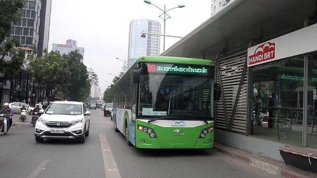 Mức phạt ô tô đi vào làn xe buýt nhanh BRT là bao nhiêu?