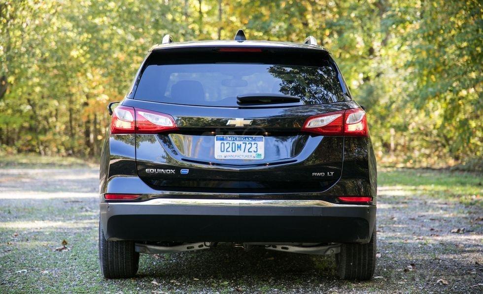 Chính diện đuôi xe Chevrolet Equinox 2019