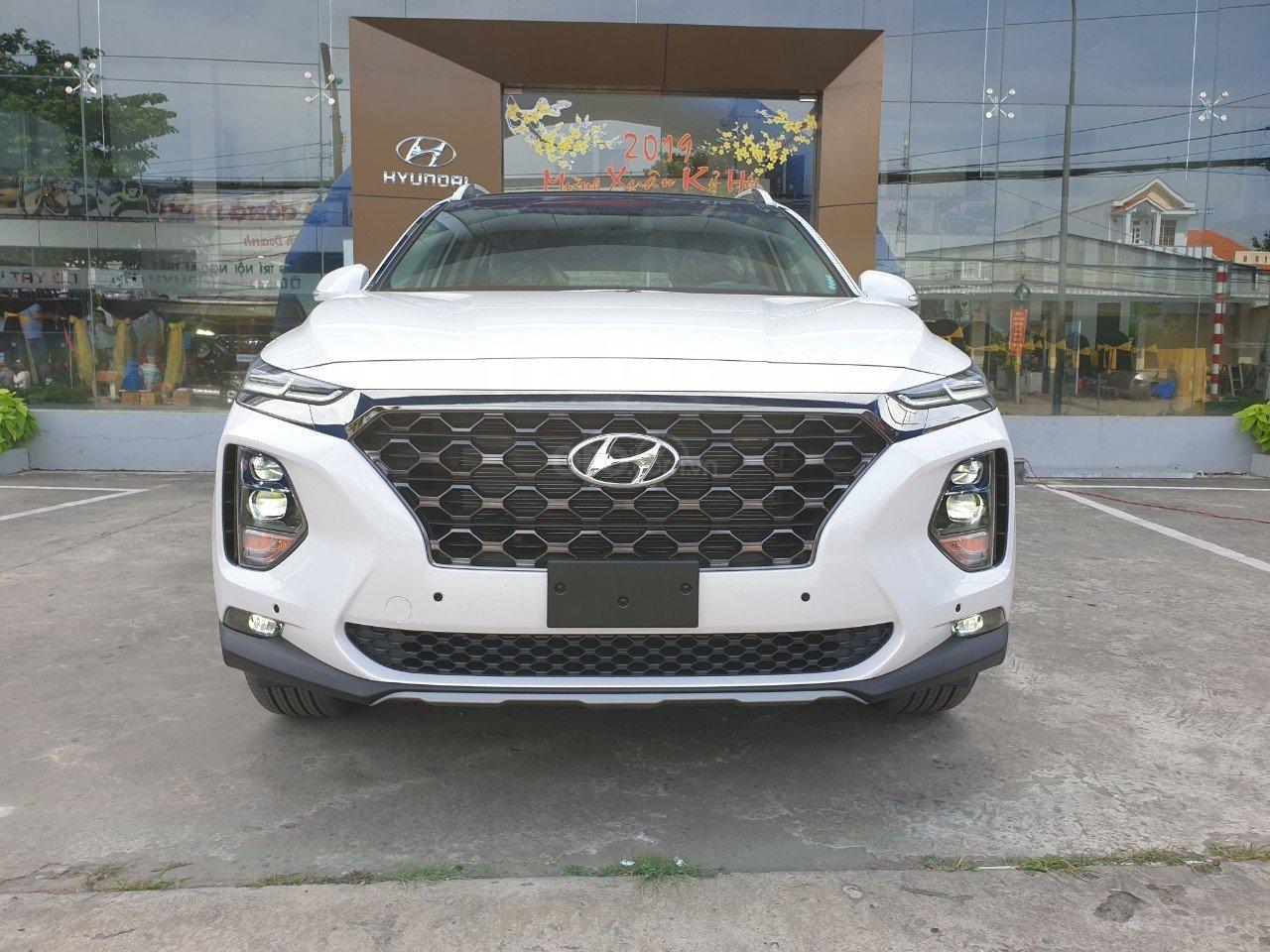 Hyundai Santa Fe 2019 biển số ngũ quý 5 được rao bán với giá gấp đôi a2