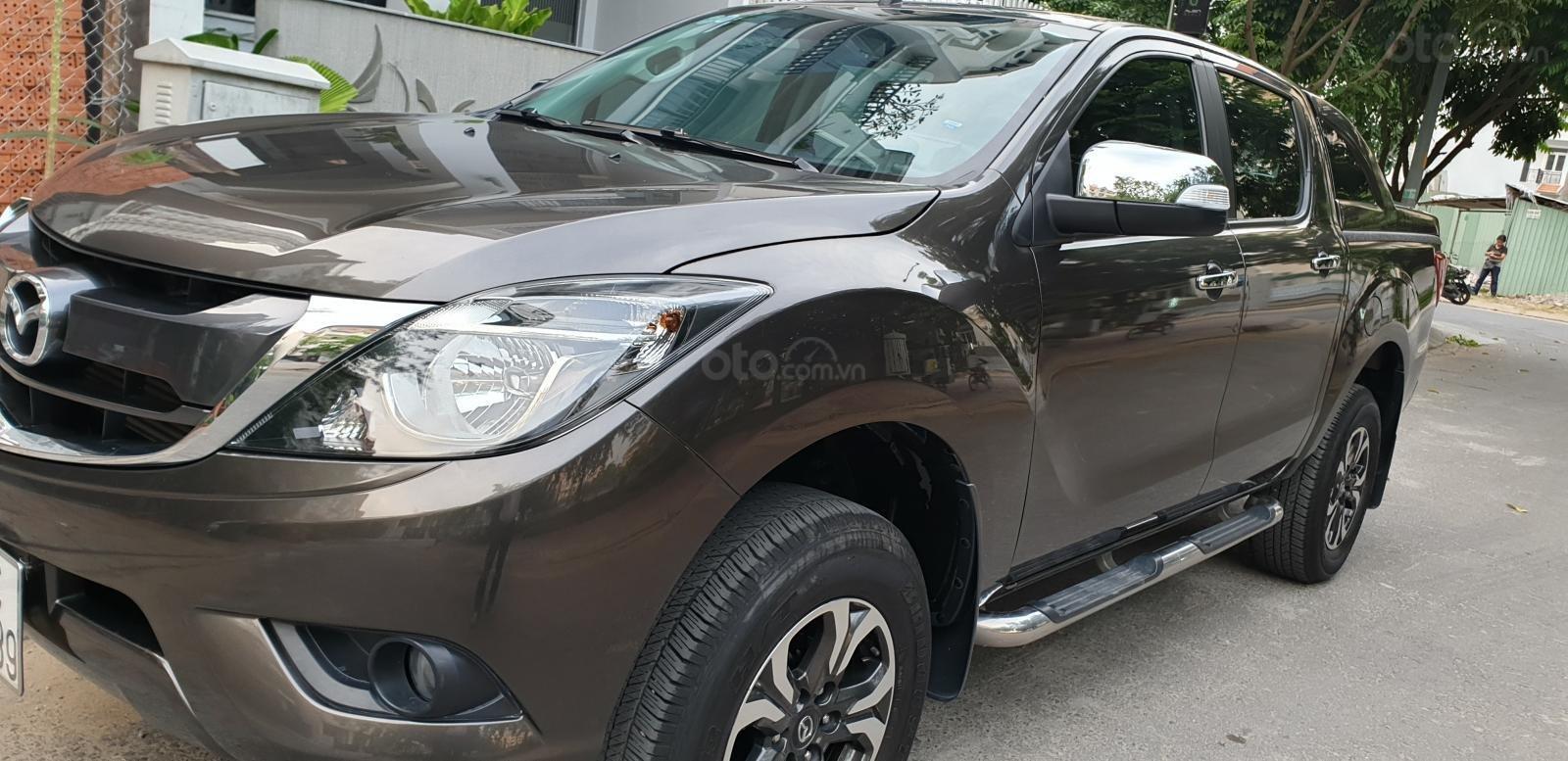 Bán Mazda BT 50 máy dầu, 2.2 số tự động, model 2018 đời T10/2017, màu nâu, nhập khẩu mới 95%-1