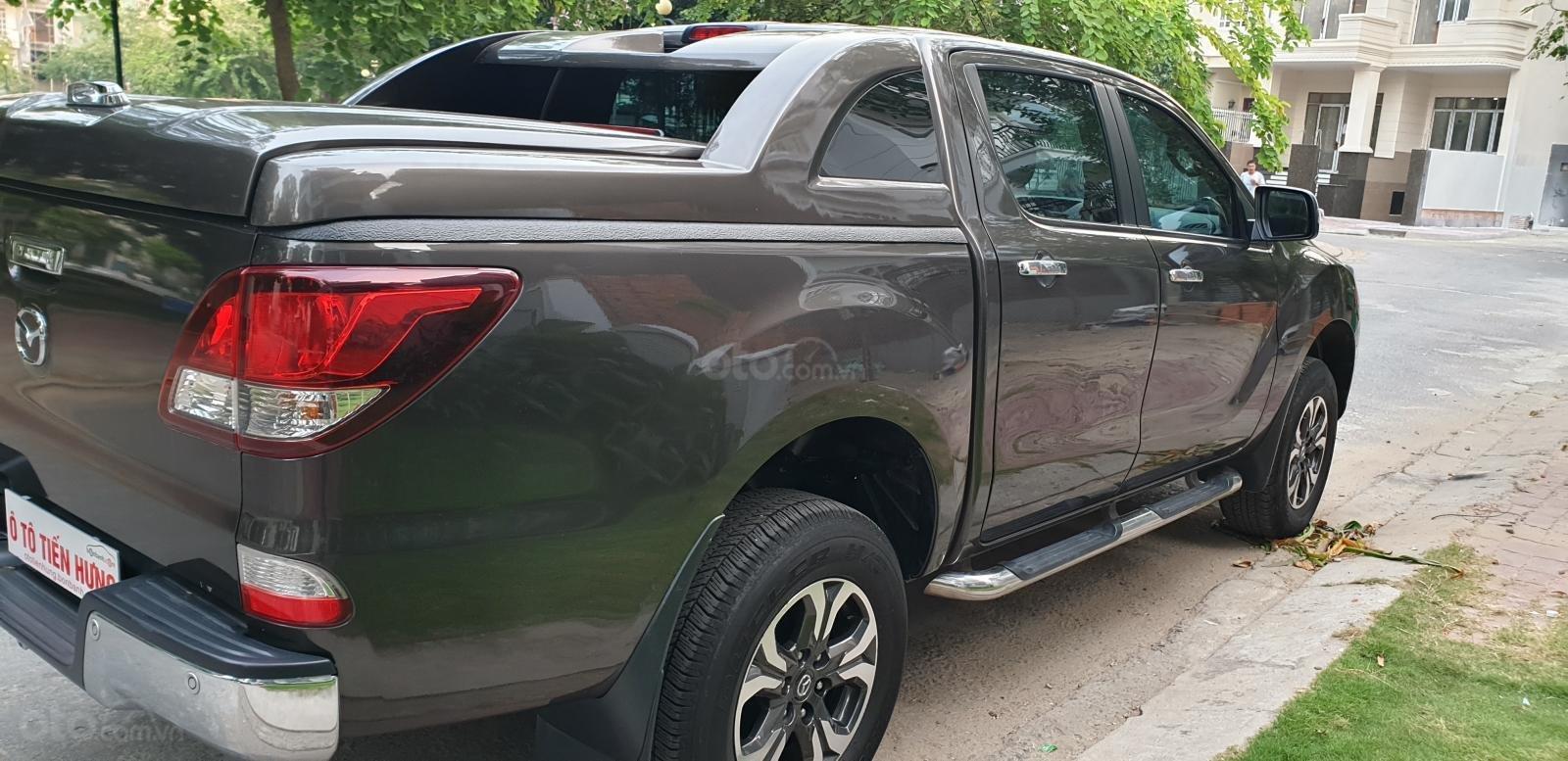 Bán Mazda BT 50 máy dầu, 2.2 số tự động, model 2018 đời T10/2017, màu nâu, nhập khẩu mới 95%-4