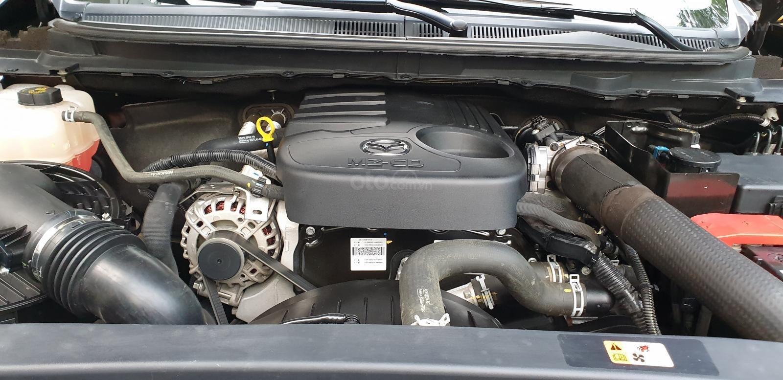 Bán Mazda BT 50 máy dầu, 2.2 số tự động, model 2018 đời T10/2017, màu nâu, nhập khẩu mới 95%-24