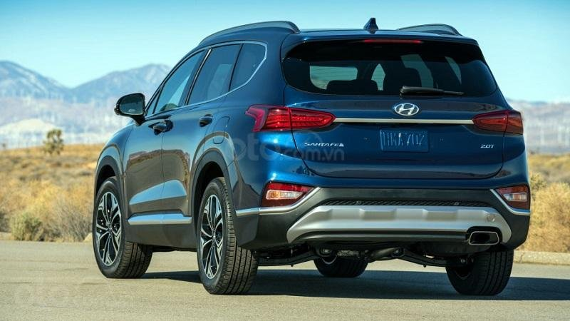 Đuôi xe Hyundai SantaFe 2019...