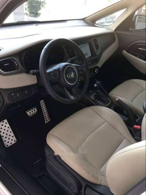 Bán xe Kia Rondo 2.0 GAT đời 2018, màu trắng-5