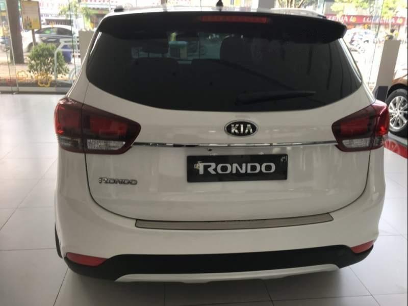Bán xe Kia Rondo 2.0 GAT đời 2018, màu trắng-4