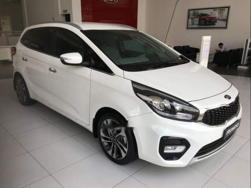 Bán xe Kia Rondo 2.0 GAT đời 2018, màu trắng-0