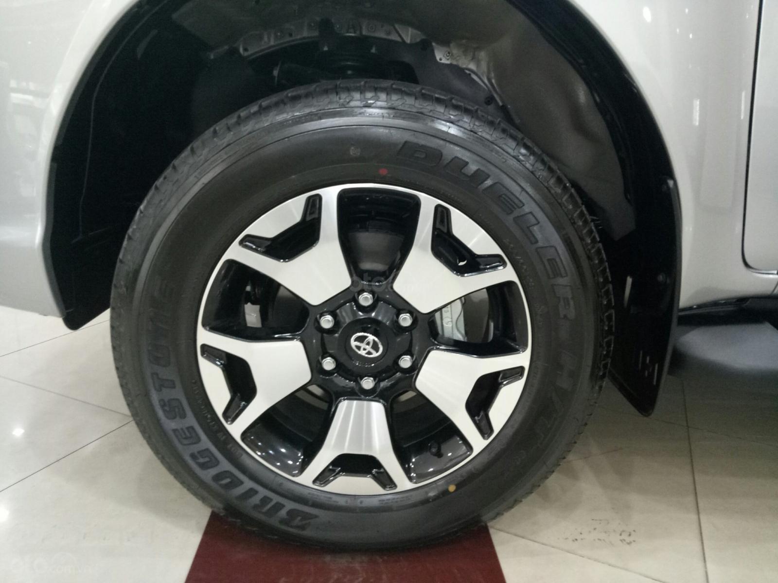 Bán Toyota Hilux G 2019, màu bạc, nhập khẩu nguyên chiếc-3