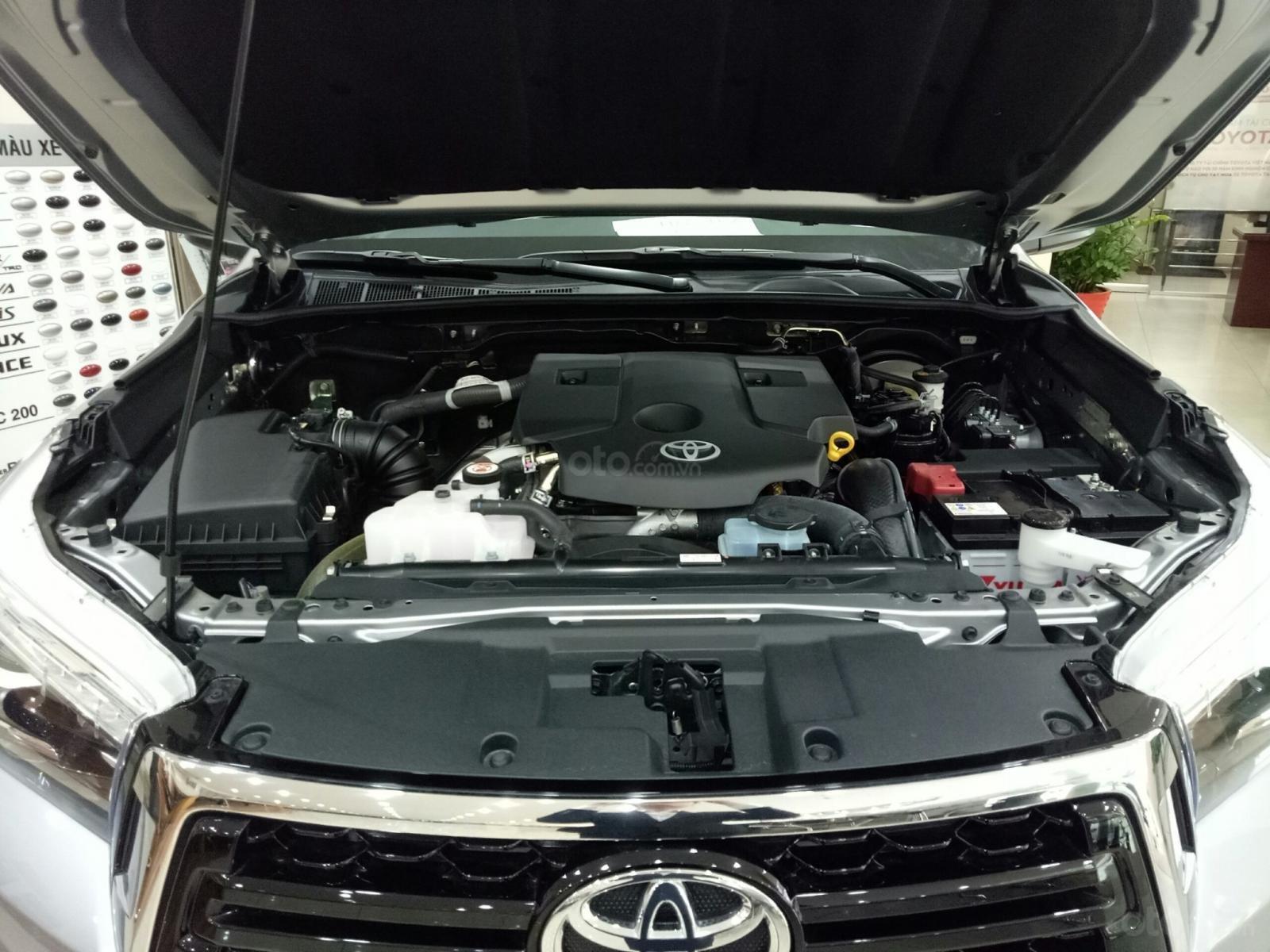 Bán Toyota Hilux G 2019, màu bạc, nhập khẩu nguyên chiếc-12