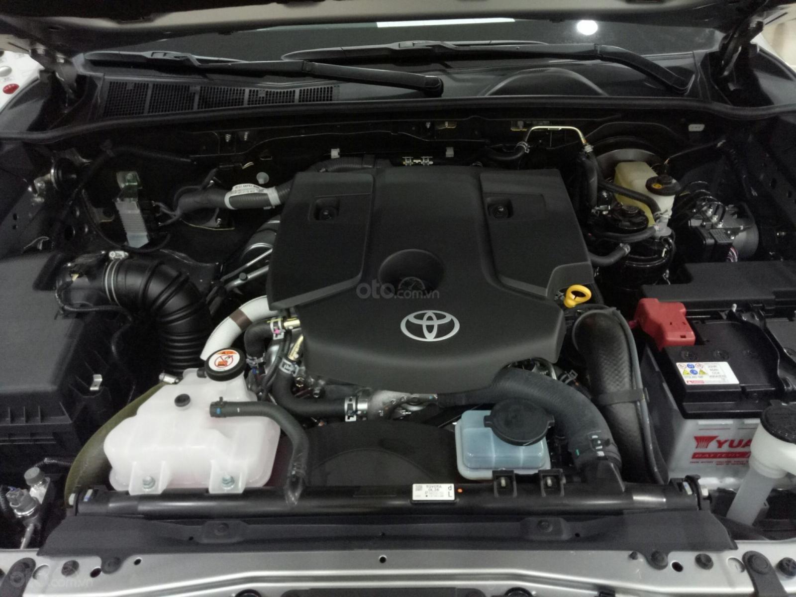 Bán Toyota Hilux G 2019, màu bạc, nhập khẩu nguyên chiếc-13