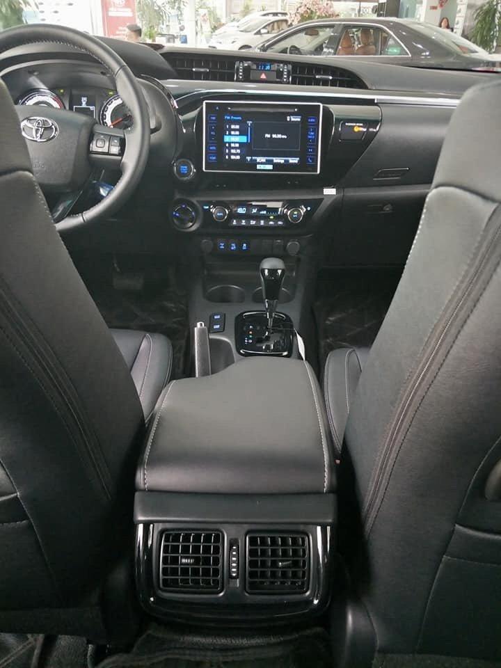 Giá xe Toyota Hilux mới cập nhật hàng tháng - Ảnh 3.