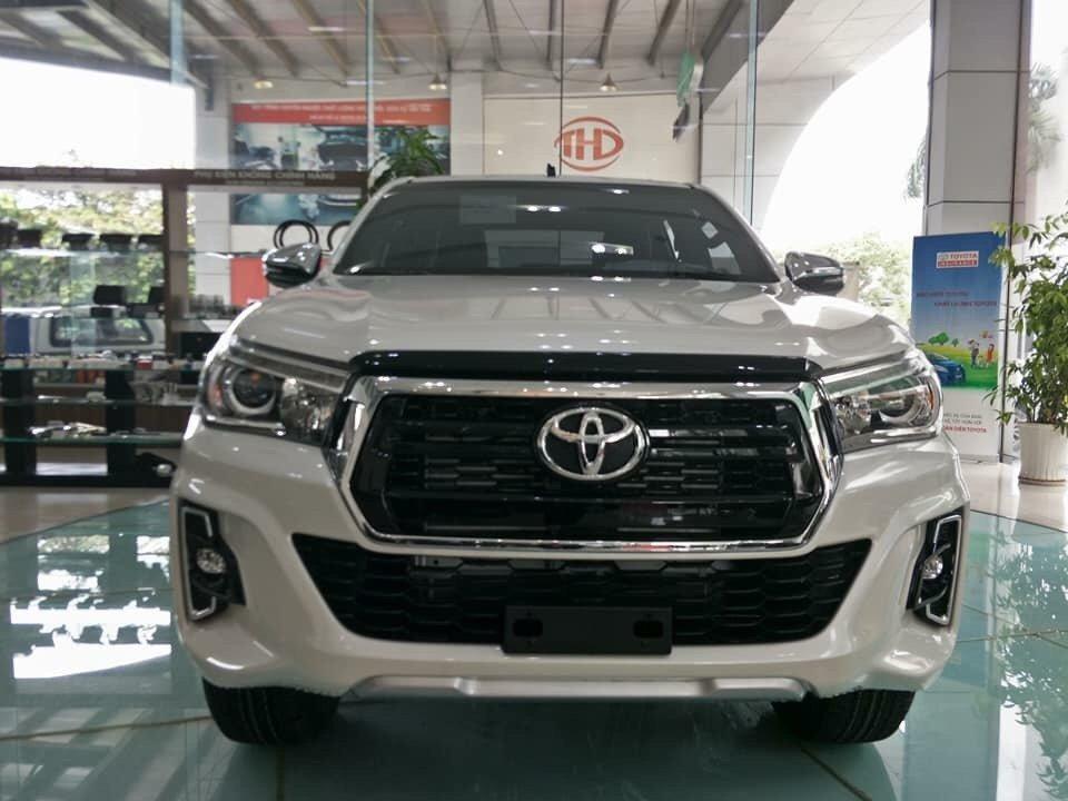 Giá xe Toyota Hilux mới cập nhật hàng tháng - Ảnh 2.