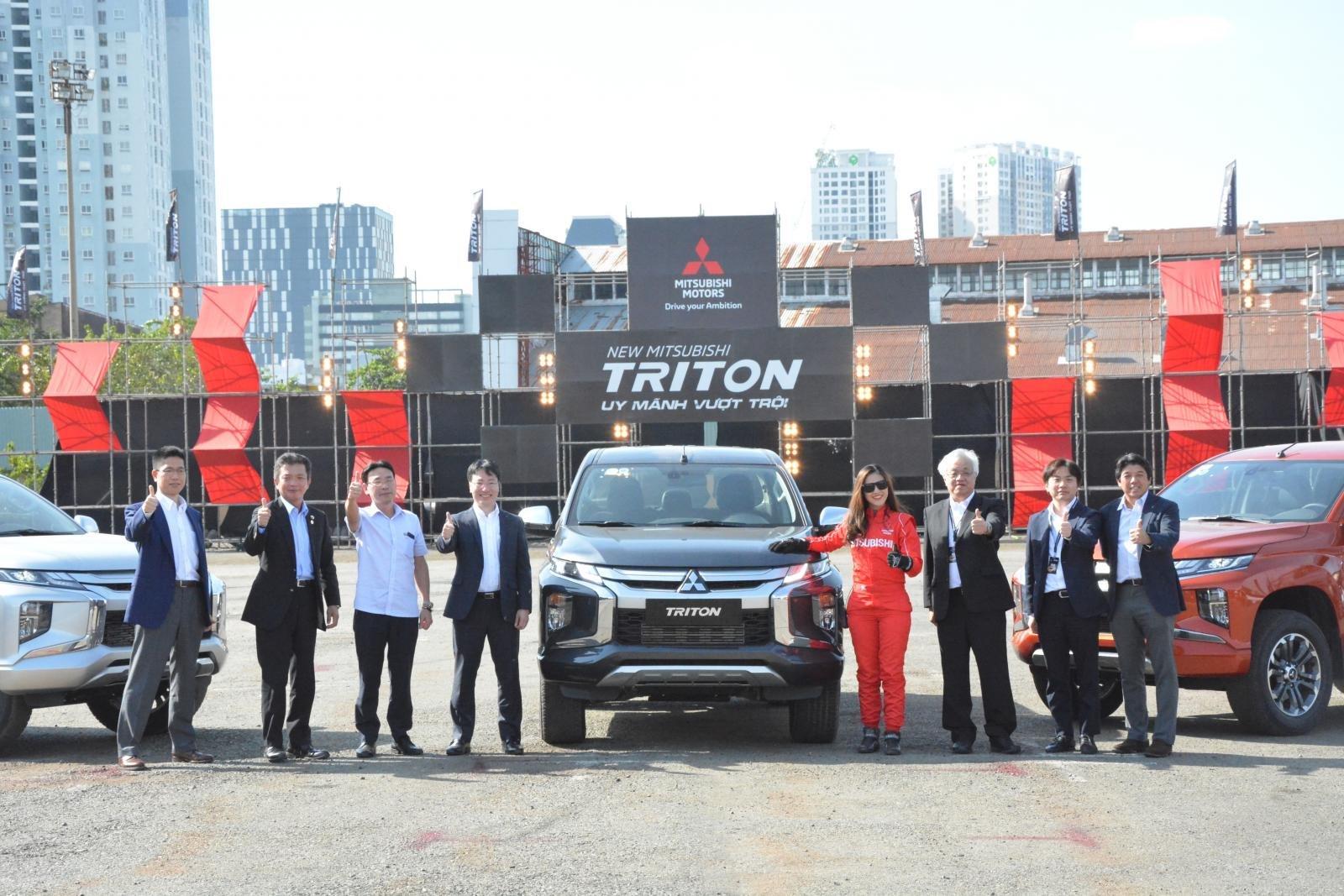 Ảnh chụp đầu xe Mitsubishi Triton 2019