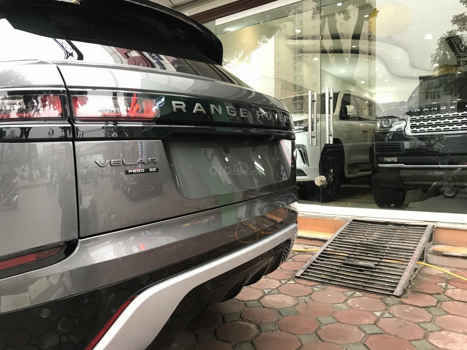 Bán xe LandRover Range Rover Velar P250 SE R-Dynamic sản xuất 2018, màu xám, nhập khẩu - LH: 0905.09.8888 - 0982.84.2838-8